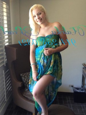 Dulcie incall escort in Pleasanton